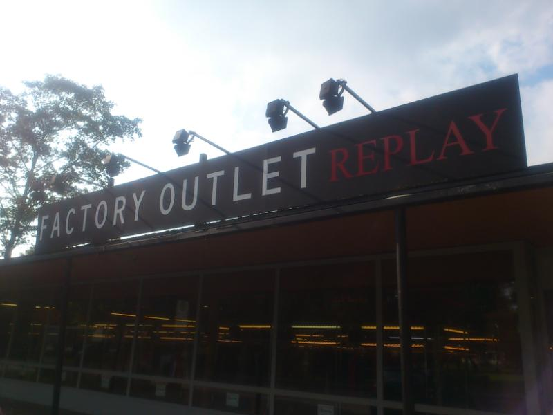 Replay Factory Outlet Düsseldorf