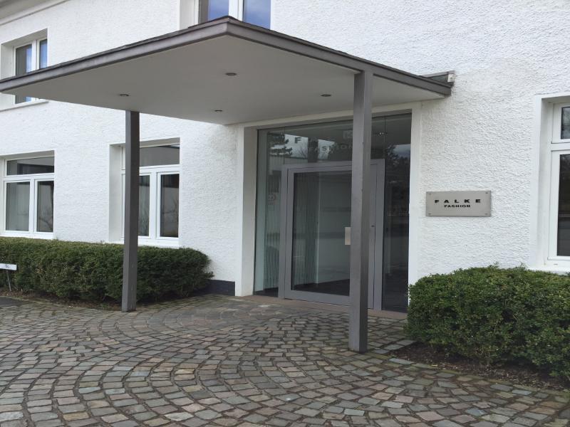 Falke Outlet Schmallenberg - schöne Beine, schöne Preise
