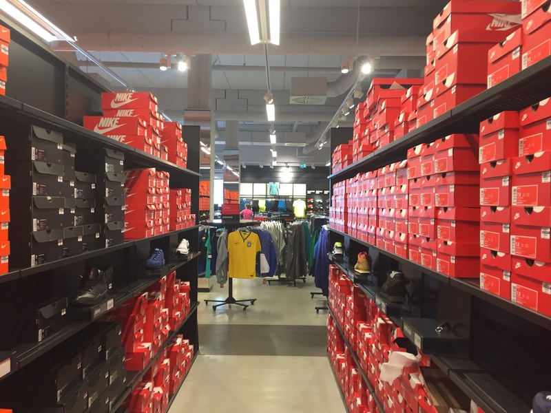 Nike Outlet  Brunthal