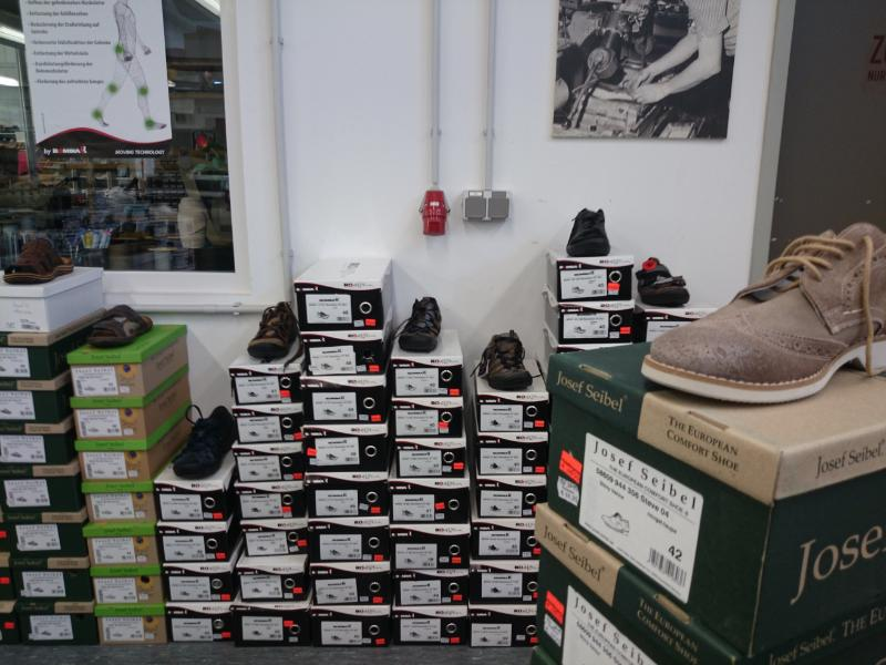 check out ac8bc 4d1db Josef Seibel Schuhe Outlet Trier — factory-outlets.org